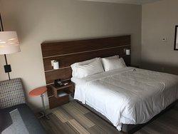 Room: Large & spacious