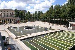 Fontaine du Bassin de la Villette