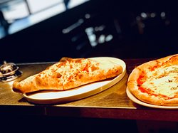 Woodfired Pizza / Calzone