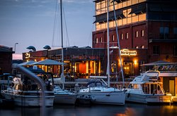The Newport - Restaurant & Marina