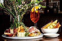 Pino's Vino e Cucina