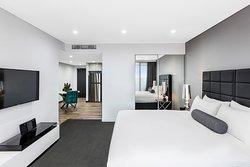Plaza Suite - Bedroom