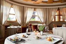 THE Restaurant - Tremoggia Hotel Experience
