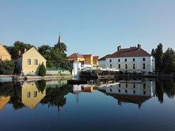 Malom Lake