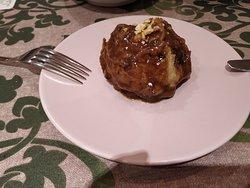 Bola de patata con rabo de toro en el interior. Poco rabo de toro.