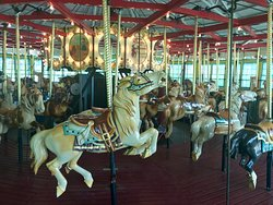 ‪Recreation Park Carousel‬