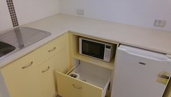 Handy kitchenette but needs a store cupboard