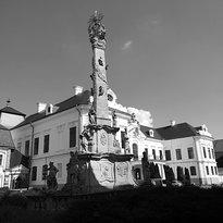 Szentharomsag Statue