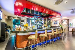 The Lounge Bar and Restaurant - Bangtao Place