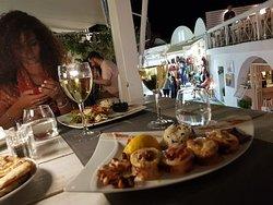 Bella vista, ambiente romantico e buon cibo