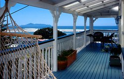 Mangawhai Lodge-a room with a view