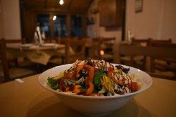 Σαλάτα τ' ανείπωτα-Ta aneipota salad
