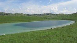 Vrazje Lake