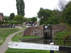 Stourbridge Locks near Glass Cone