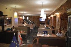 Vania Cafe & Restaurant