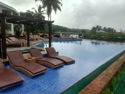 Pool area with Bar