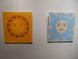 Sol och måne i konstsamlingen.