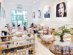 Prive Nails - Luxury Nail & Spa Boutique