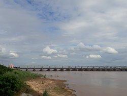 Mahanadi Barrage