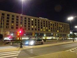 ワルシャワの高級ホテルですが団体さん用です