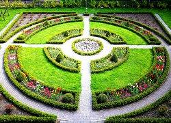 Alpenrose Landscape Gardens