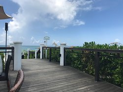 deck from hemingways to beach