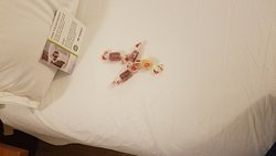 Small detail but, sweet. I looked forward to these soft candies on the bed.