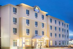 Days Inn & Suites by Wyndham Kearney