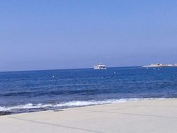 Paphos: A Splendid Place Paphinia Sea View Apartments a 3 star hotel sold as a 4 star hotel