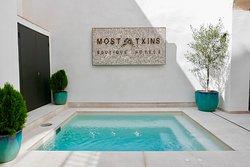 ホテル キャン モスタクシンズ