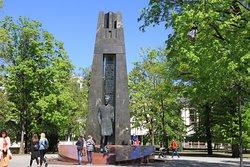 Vincas Kudirka Statue