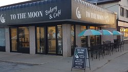 To the Moon bakery & cafe