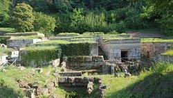 Necropoli Etrusca Di Crocifisso Del Tufo