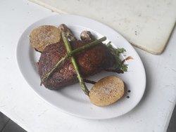 Arte y Carne Steak & Art