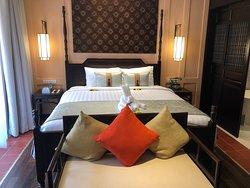 スタッフが丁寧、部屋はオールドファッションド、快適ホテル
