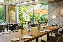 Leafs Restaurant