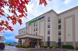 Holiday Inn Express Hotel & Suites Fayetteville-Univ of AR Area
