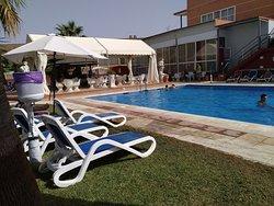 Agradable día de piscina + almuerzo buffet