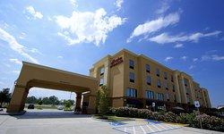 Hampton Inn & Suites Tomball