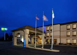 Holiday Inn Express St. Clairsville