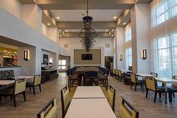 Hampton Inn & Suites Irvine-Orange County Airport