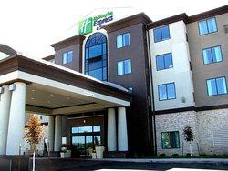 Holiday Inn Express Hotel & Suites Kansas City Airport