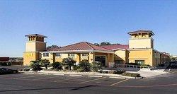 SureStay Plus Hotel by Best Western San Antonio North