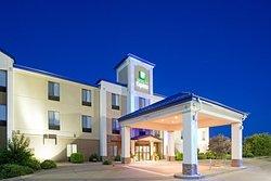 Holiday Inn Express Hotel & Suites Garden City