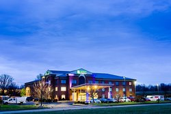Holiday Inn Express Hotel & Suites Shelbyville