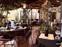 Intimiste & dépaysante, notre terrasse est un lieu incontournable pour vos dîners.