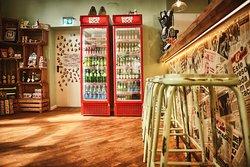 Bar & Shop