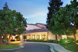 Courtyard by Marriott Bakersfield