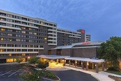 Sheraton Norfolk Waterside Hotel