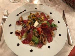 Salat mit Trockenfleisch